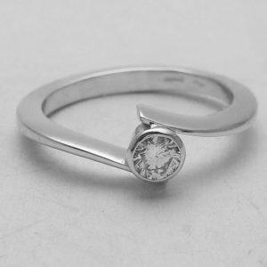 Anello con diamante solitario per fidanzamento