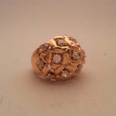 Anello artigianale in oro giallo e diamanti ispirato ad un prato fiorito