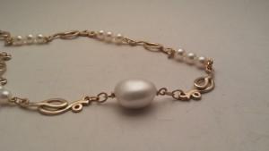 Collana d'oro, perle Giapponesi e perla Barocca