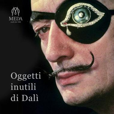 La copertina della rubrica Oggetti Inutili di Salvador Dalì