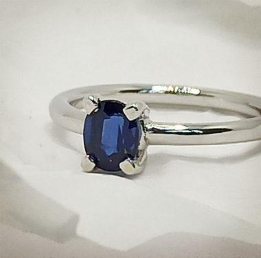 Anteprima anello Minimal oro bianco e zaffiro blu