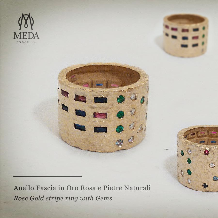 L'anello a fascia con le pietre che rappresentano figli e nuclei famililari